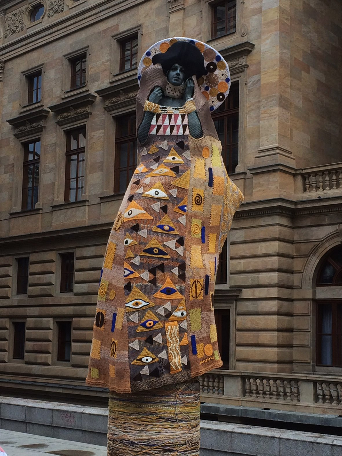Knitted Klimt